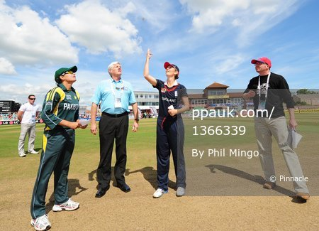 England Women v Pakistan Women 160609