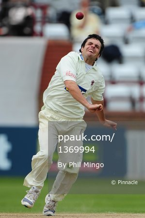 Somerset v Essex 280410