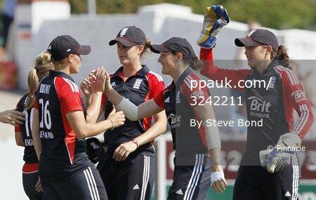 England v New Zealand  020711