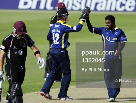 Gloucestershire v Somerset T20 010711