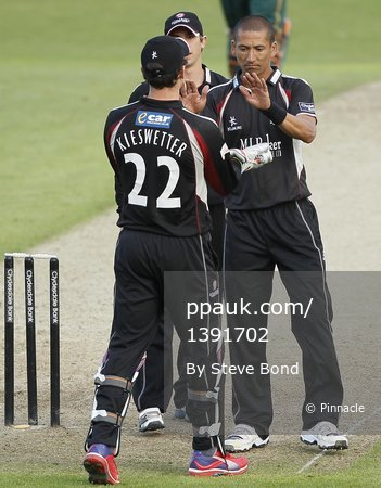Notts v Somerset  040512