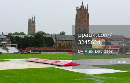 Somerset v Gloucestershire , Taunton, UK - 21 July 2017