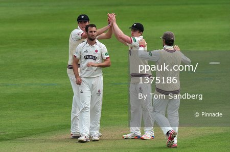 Somerset CCC v Yorkshire CCC D1, Taunton, UK - 9 Jun 2017