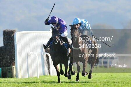 Taunton Races, Taunton, UK - 06 Apr 2017