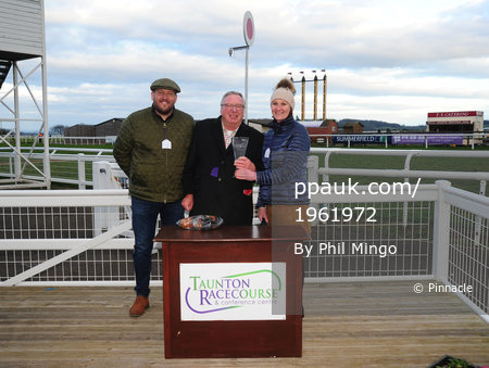 Taunton Races, Taunton, UK - 4 Feb 2018