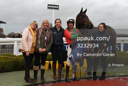 Taunton Races, Taunton, UK - 28 Nov 2019