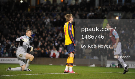 Burnley v Arsenal  021208