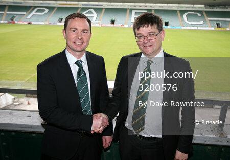 Plymouth manager Derek Adams 110615
