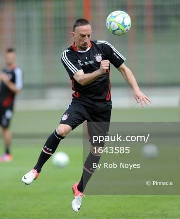 Bayern v Chelsea training   180512