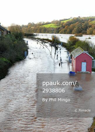 Flooding Exeter 251112